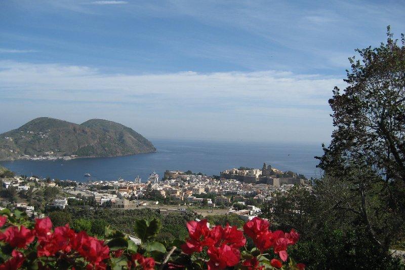 Panorama di Lipari centro