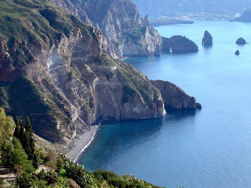Lipari, la baia di Vallemuria